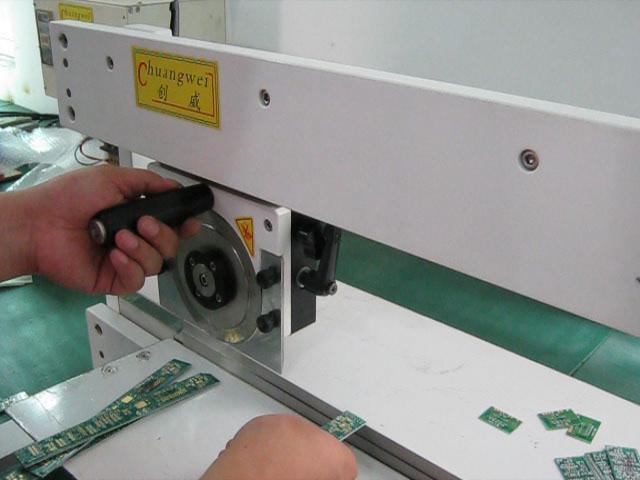 手动滑轨型走刀式分板机CWV-1M